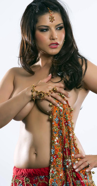 bollywood porn media original indo canadian porn star sunny leone who sizzled bollywood debut