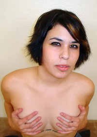 bald pussy pic amateur porn cute chubby emo chick nice bald pussy photo