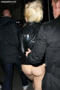 bare butt galleries celebrity photos lady gaga bare ass showing paris shopping gallery
