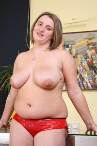 bbw sex pics pictures solo young fatties bodied cougar spreads butt cheeks