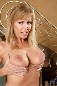 best mature pics home galleries nicole moore best mature milf