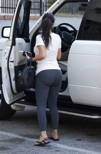 big ass pic kardashian ass