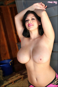 big beautiful boob pic satinee capona