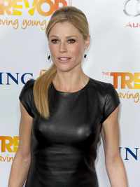 big beautiful boob pic attachments celebrity pictures julie bowen wearing black leather dress trevor live juliebowen treveor project