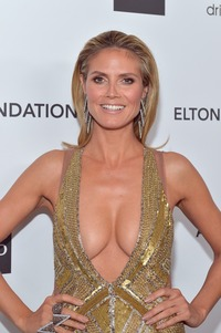 big beautiful boob pic heidi klum cleavage elton john aids oscar party west hollywood part thread