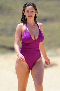 big boobs nipples photo kelly brook cameltoe brooks boobs hard nipples razorburned crotch bikini