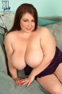 big bops xxx hillary hooterz puffychicks solo bbw lotion tits boobs sexy chubby nude busty hillery hooters really cute smile