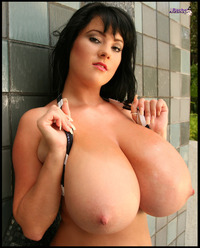 big bops xxx photos boobs bikini tits maserati xxx oil face