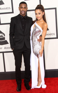 big hot ass sean grabs arianas ass ariana grandes grammys red carpet hot sexual love