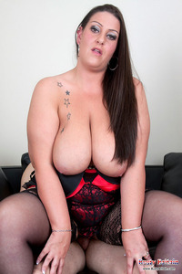 big titty pix blogfill brit tits busty britain titty tarts