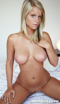 big young boobs pics very hot young blonde girl tits girls bid