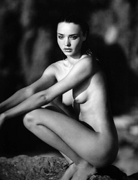 black nude pic miranda kerr nude hot topless black white victoriasecret angel pic wag