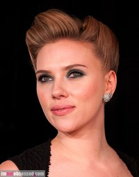 celeb nude pic gallery scarlett johannson talks nude photos johansson felt violated vulnerable after were leaked