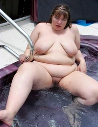 chubby woman gallery amateur porn bbw chubby women outdoors public photo