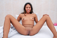 cunt porn pic amateur porn ruby spread legs open shaved cunt pictures