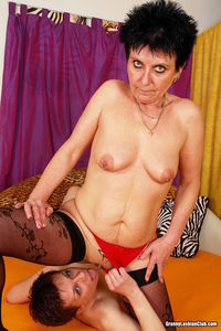 eating pussy pics gallery gilf dykes eating pussy lesbian grannies