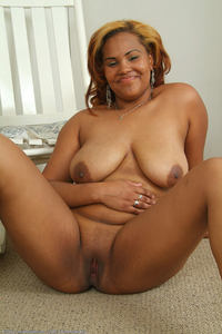 ebony pussy hot pics photo large hot ebony milf lucke shows bald pussy bbw girls