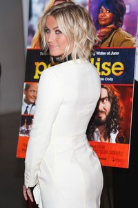 fine ass photos gallery julianne hough fine ass paradise screening