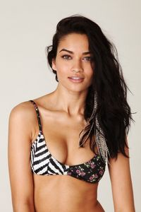 free hot bikinis shanina shaik hot bikini free people female pics