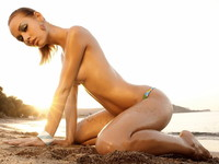 free naked girl pics naked girl beach wallpaper yvt