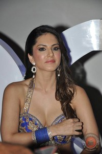 gallery xxx image sunny leone hot photo shoot xxx energy drink gallery attachment