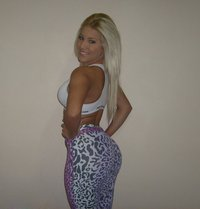 girls with big ass gallery sexy blonde girl tight leggings ass pics biggest pictures hot