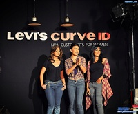 good sexy asses pictures levis jeans asses billboard curved event show tails created equal sexy tiny thongs good looking girl pretty dressing denim lover