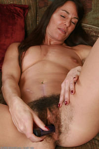 hairy pussy on pics bfcc hairy milf joclyn stone very pussy