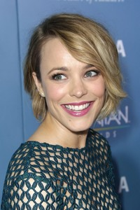 hot big bobs photo orh rachel mcadams news beauty emma stone remind bob hairstyles are hot