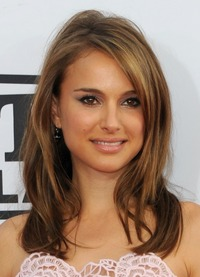 hot brunettes beauty natalie portman bronde haircolo hairstyles brunettes blonde sun kissed highlights