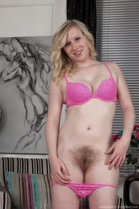 hot cunt pictures satine spark shows hot pink hairy cunt