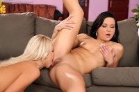 hot lesbians pictures hot lesbians lick pussies butts