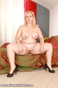 hot sexy bbw porn pictures solo hot sexy plumpers fully nude blonde bbw