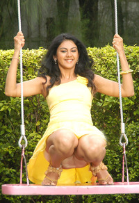 hot up skirt pictures kamna jetmalani hot showing upskirt hip show jethmilani yellow panty