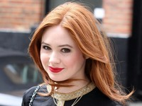hottest redhead babes karen gillan amy pond britains hottest redhead leaving doctor who