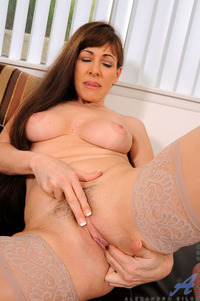 housewife sex galleries pictures anilos pics mature sexy milf