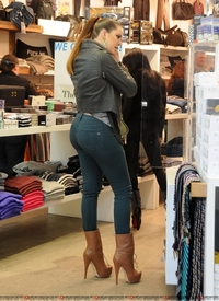 huge ass gallery gallery khloe kardashian huge ass shopping category