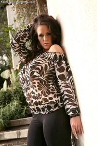 huge ass pics gallery large cmmmdcmkdx ass tits busty carmella bing curves dark hair landing strip long nails tattoo