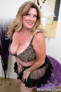 huge bbw porn pictures bbw porn deedra mature huge tits mega stretchmarks photo