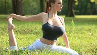 huge nipples wallpapers yoga jordan carver huge nipples through clothing wallpaper