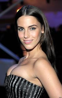 huge tit picture gallery photos jessicalowndes gallery enlarged jessica lowndes huge tits