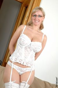 huge tits xx large zdiwh blonde busty chubby fatwom fishnets garter glasses huge tits solo sophie mae