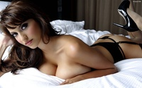 images of huge breast another babe bed huge breast