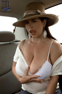 large bbw pics large bys kfgw bbw busty chubby shaved milf natalie fiore naturals wearing heels car