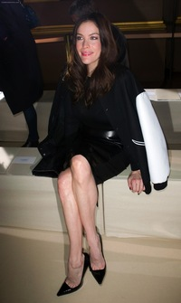 legs and feet sex celebrity feet photos liv tyler stiletto heels great legs toe cleavage