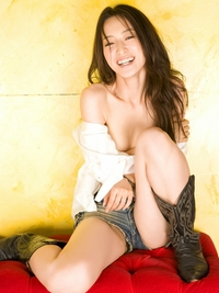 little girl no tits natsuhi ueno japanese gravure idol hot sexy girl short jeans stripping bra only breasts tits legs picture category actress page