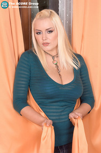 massive breasts gallery score premium melissa mandlikova boob blonde plays massive breasts