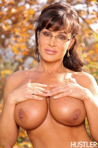 mature sex media original fuskator autumn babe fall glasses hustler lisa ann mature outdoor pornstar