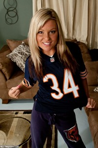 meet madden girl madden bears meet hot chicago fan