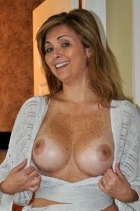 naked mature housewives picture sexy naked busty american housewives from social networks pornography pic